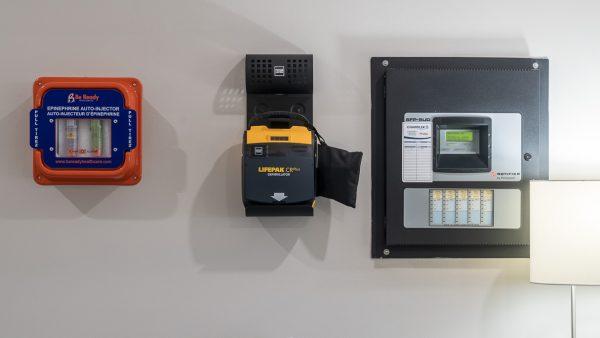 epinephrine kit mounted on wall